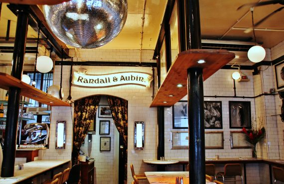 Randall & Aubin – Soho's seafood haven