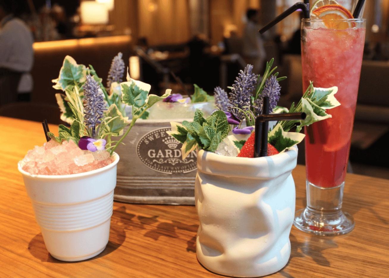 Sampling some stunning cocktails in TwoRuba's Spring Garden